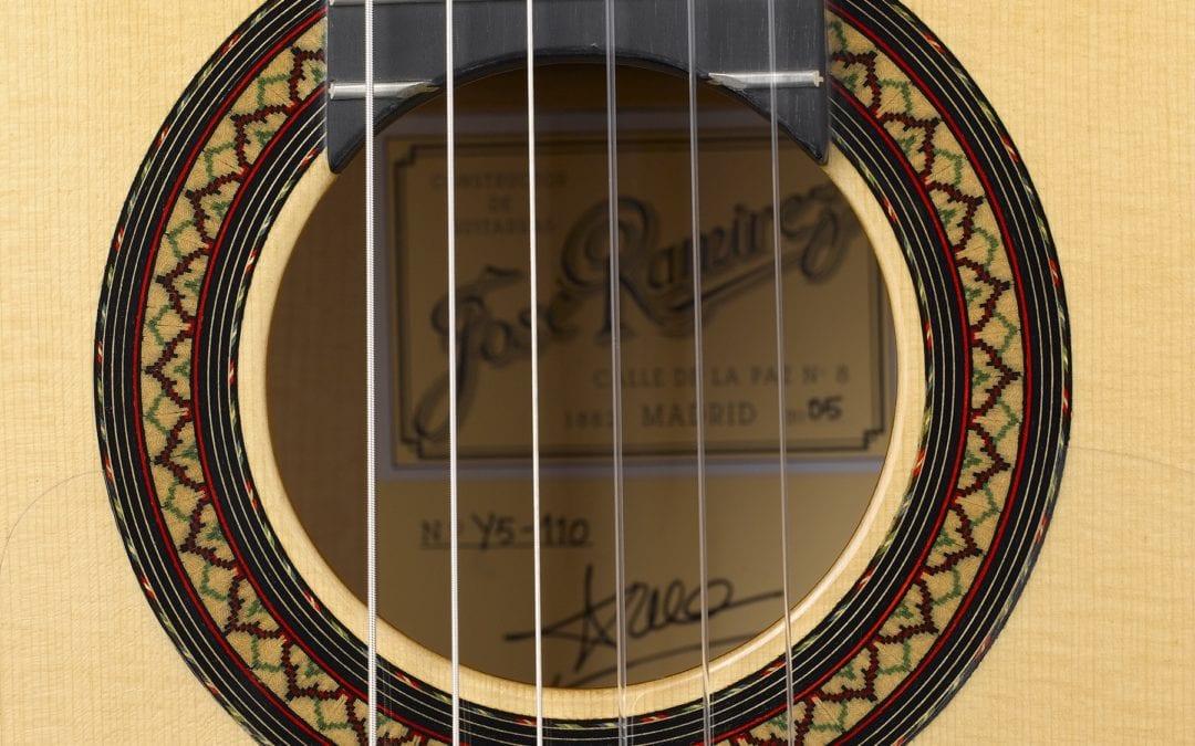 Flamenca Blanca Guitar